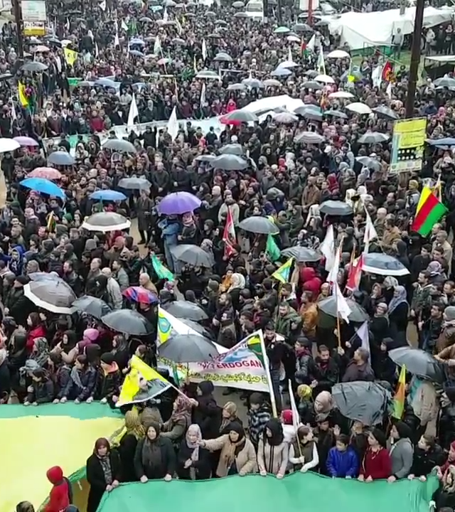 Demonstration_in_Afrin_against_Turkish_military_operation
